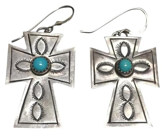 Preload https://img-static.tradesy.com/item/19297867/silver-earrings-0-1-540-540.jpg