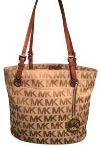 Michael Kors Tote in Brown/Beige