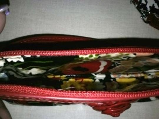 Vera Bradley Mini Clutch Floral Floral Wristlet in Black with Red Poppy Print