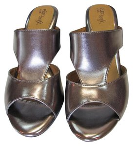Erosoft by Sfft New Size 9.50 M Steel Sandals