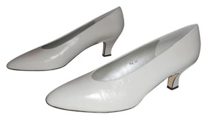 Liz Claiborne Spanish Leather Upscale Look CREAM BEIGE Pumps