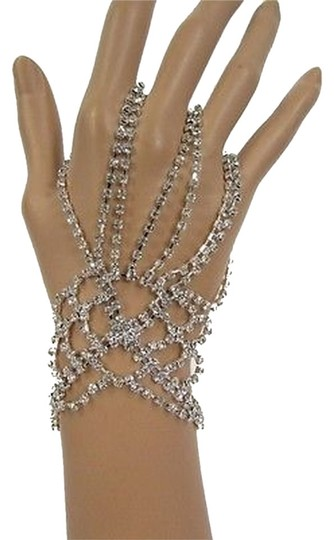 Preload https://item1.tradesy.com/images/other-jewelry-chane-bracelets-1930030-0-0.jpg?width=440&height=440