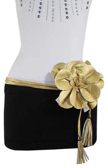 Preload https://item2.tradesy.com/images/women-black-gold-red-brown-hip-waist-fashion-belt-big-flower-25-40-s-m-l-1931256-0-0.jpg?width=440&height=440