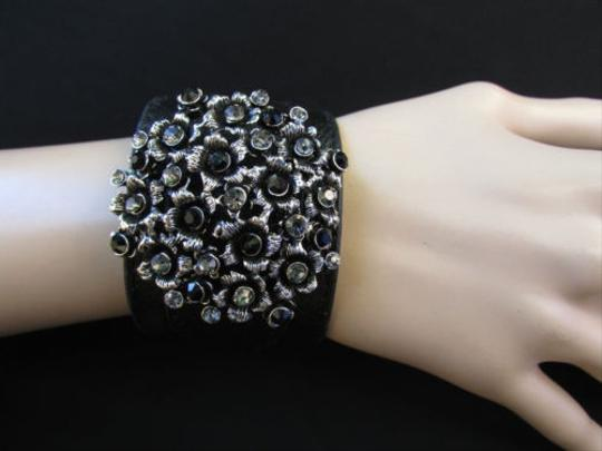 Other Women Silver Circle Flowers Fashion Black Faux Leather Bracelet Rhinestones