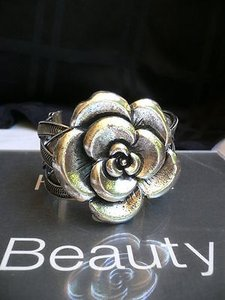 Women Bracelet Fashion Antique Silver Metal Rose Cuff Flower Jewelry Basket