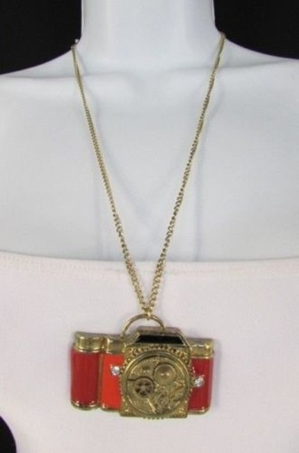 Alwaystyle4you Gold Women Metal Chains Old Fashion Collector Camera Necklace Alwaystyle4you Gold Women Metal Chains Old Fashion Collector Camera Necklace Image 1