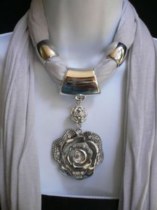 Other Women Gray Soft Fashion Scarf Necklace Silver Rhinestones Big Flower Pendant