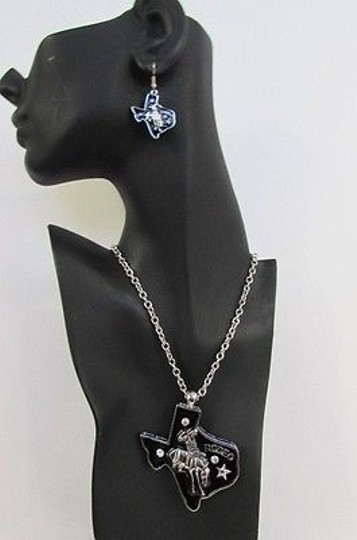 Other Women Long Necklace Silver Chains Big Black Texas Rodeo Horse