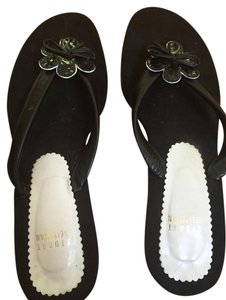 Stuart Weitzman Comfortable Flower Everyday Small Heel Black Sandals