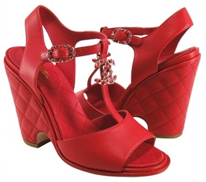 Chanel Quilted red Wedges