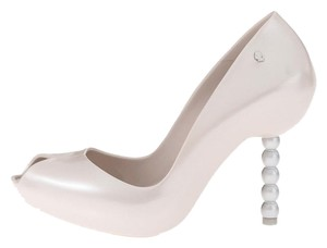 Melissa Karl Lagerfeld Rubber Scented Ivory White Pumps