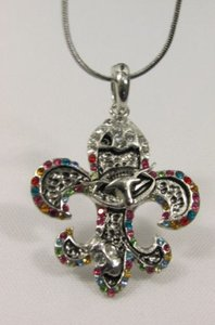 Women Silver Metal Fashion Necklace Fleur De Lis Lily Flower Bull Colorfull