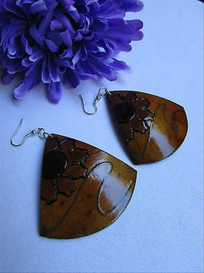Other Women Fashion Earrings Brown Coconut Hand Painted Flowers Hawaiian Design