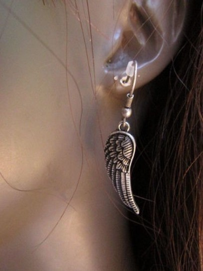 Other Women Fashion Rusty Silver Spikes Over The Ear Cuff Angels Wings Earring Set