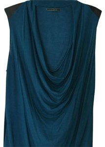 Velvet by Graham & Spencer Sleeveless Camisole Top Teal blue/black shoulders
