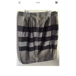 Burberry London Skirt Black & Gray