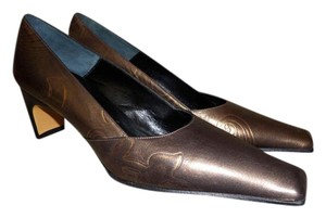 Claudia Ciuti Copper Pumps