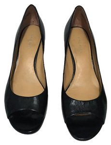 Nine West Peep Toe Face Leather Black Wedges