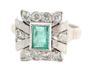 Vintage Ladies 14k White Gold Emerald and Diamond Ring