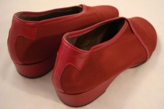 Taryn Rose Deep Red Wedges