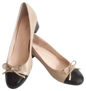 Tahari Beige/Black Pumps
