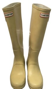 Hunter Off white, neutral, pale butter Boots