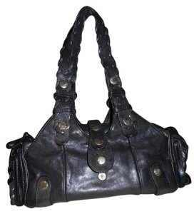 Chlo Leather Satchel in Black