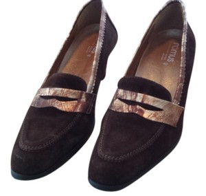 Romus Dark Brown with Bronze trim. Wedges
