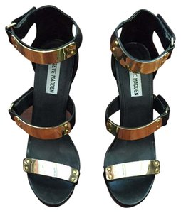 Steve Madden Black & Gold Wedges