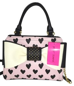 Betsey Johnson Cross Body Pink Satchel in cream/black