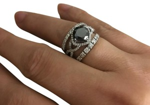 Diamond ring preowner
