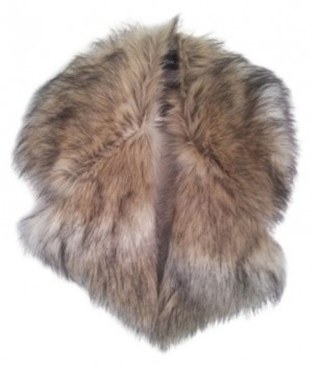 Preload https://item2.tradesy.com/images/asos-natural-oversized-faux-fur-collar-scarfwrap-19336-0-0.jpg?width=440&height=440