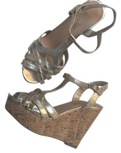 Brash Gold Platforms
