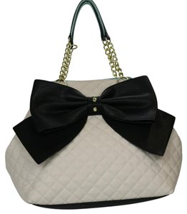 Betsey Johnson Bow Gold Hardwarre Tote in white