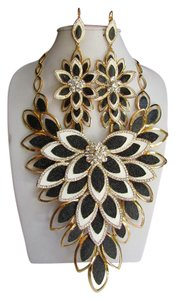 New Women Necklace Rhinestones Earrings Gold Black Cream Floral