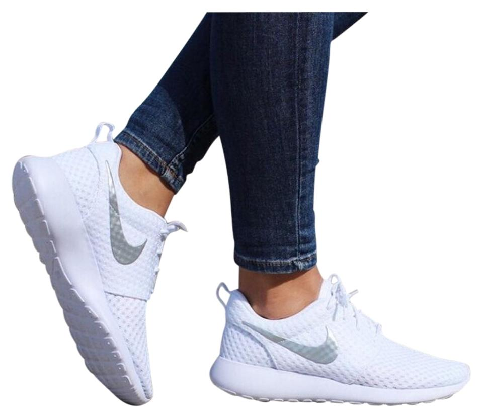Nike Casual Women's Roshe One Breeze Casual Nike Style/Color: 724850-100 Sneakers 9d5f12