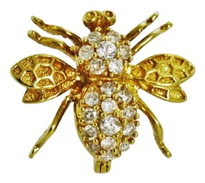 Timeless Diamond and Gold Flying Bee Brooch.