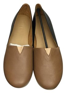 TKEES Burnt Toast/ Black Flats