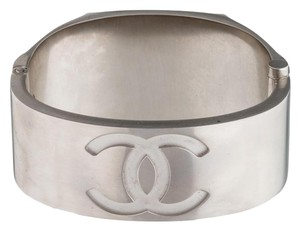 Chanel CHANEL CC LOGO NEW 2016 MIRROR METAL BRACELET
