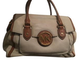 Michael Kors Satchel in Cream and Camel