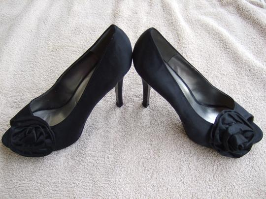 Nine West Flower Flowers Black Pumps