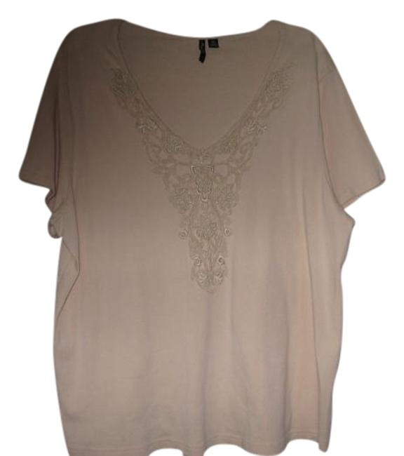 Preload https://item4.tradesy.com/images/ivory-blouse-with-pretty-design-front-2x22-blouse-size-22-plus-2x-19348603-0-4.jpg?width=400&height=650