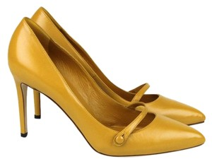 Gucci Classic Leather Pointy Nectarine 7012 Pumps