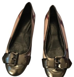 Burberry Silver and check Flats