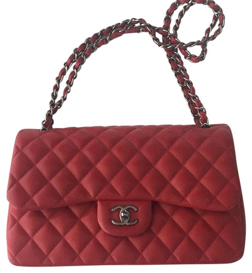 Preload https://img-static.tradesy.com/item/19350412/chanel-jumbo-red-lambskin-shoulder-bag-0-1-540-540.jpg