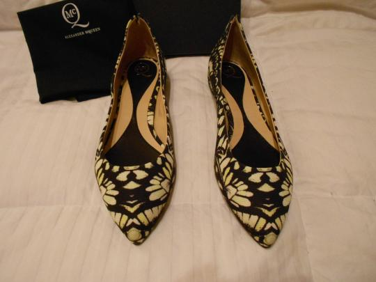 MCQ by Alexander McQueen Chic Design Made In Italy Yellow/Mini/Khaki Flats