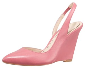 Pour La Victoire Pourvictorie Wedge Work Wedge Pale Guava Pumps