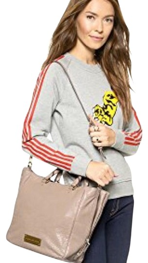 Preload https://item3.tradesy.com/images/marc-jacobs-washed-up-convertible-cement-gray-lamb-leather-satchel-19351767-0-5.jpg?width=440&height=440