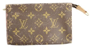Louis Vuitton Monogram Pochette Clutch 19LVA901