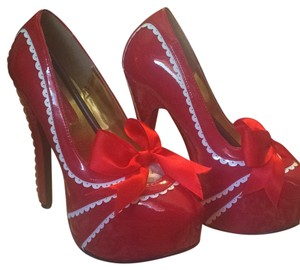 Bordello Red/white Platforms